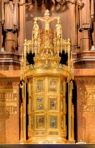 Tabernacle_in_Church_of_St._Vincent_Ferrer_(NYC)