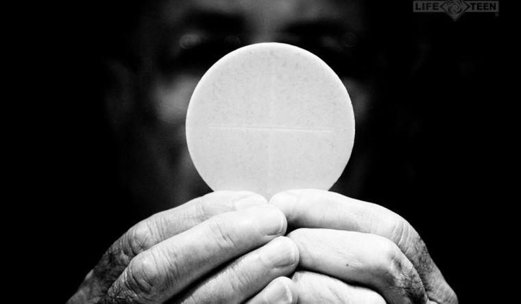 76ad8-eucharist_