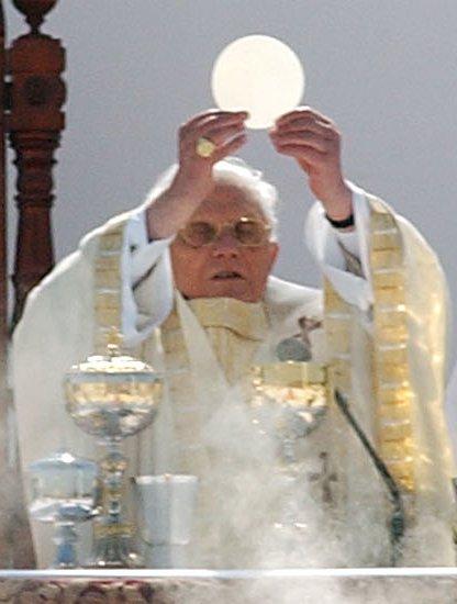 Benedict XVI and Eucharist