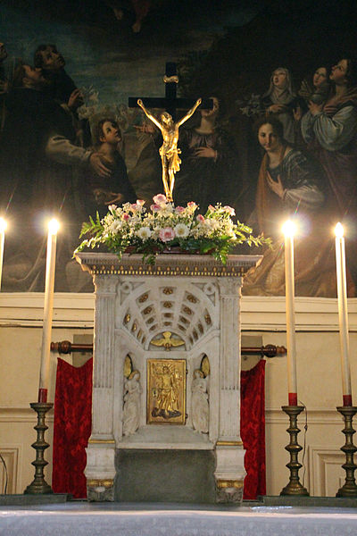 tabernacle-with-crucifix