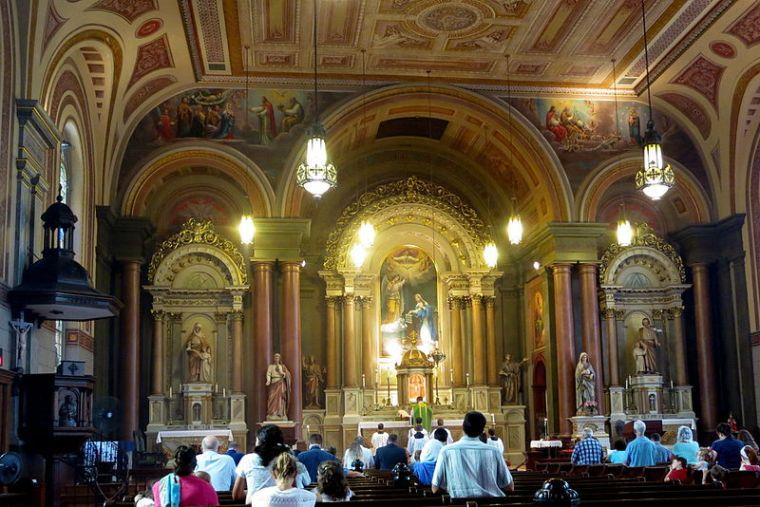 Old_Saint_Mary's_Church_(Cincinnati,_Ohio)_-_Holy_Sacrifice_of_the_Mass